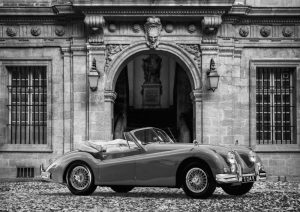 Luxury Car in front of Classic Palace (BW)