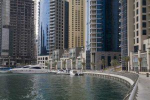 UAE, Dubai, Marina Sidewalk along marina bay