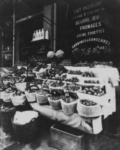 Paris, 1908-1912 – Produce Display, rue Sainte-Opportune